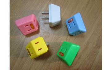 插头转换器_厂家直销 二极插头转换器 标二插一转三 旅游转换插座-- 揭西县棉湖宏兴电木加工厂