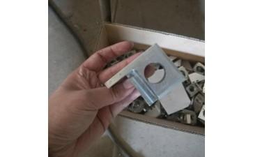 机械设备配件_铝合金金属机械设备配件 五金机床配附件45度反射小-- 青县奥强机械配件制造有限公司